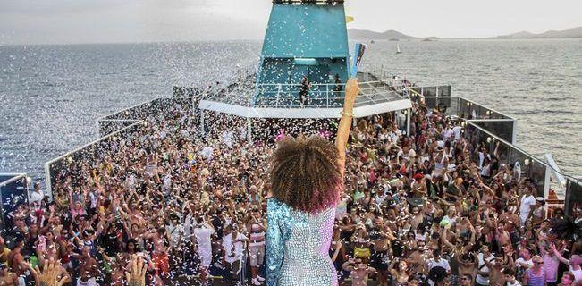 fiesta-en-barco-ibiza