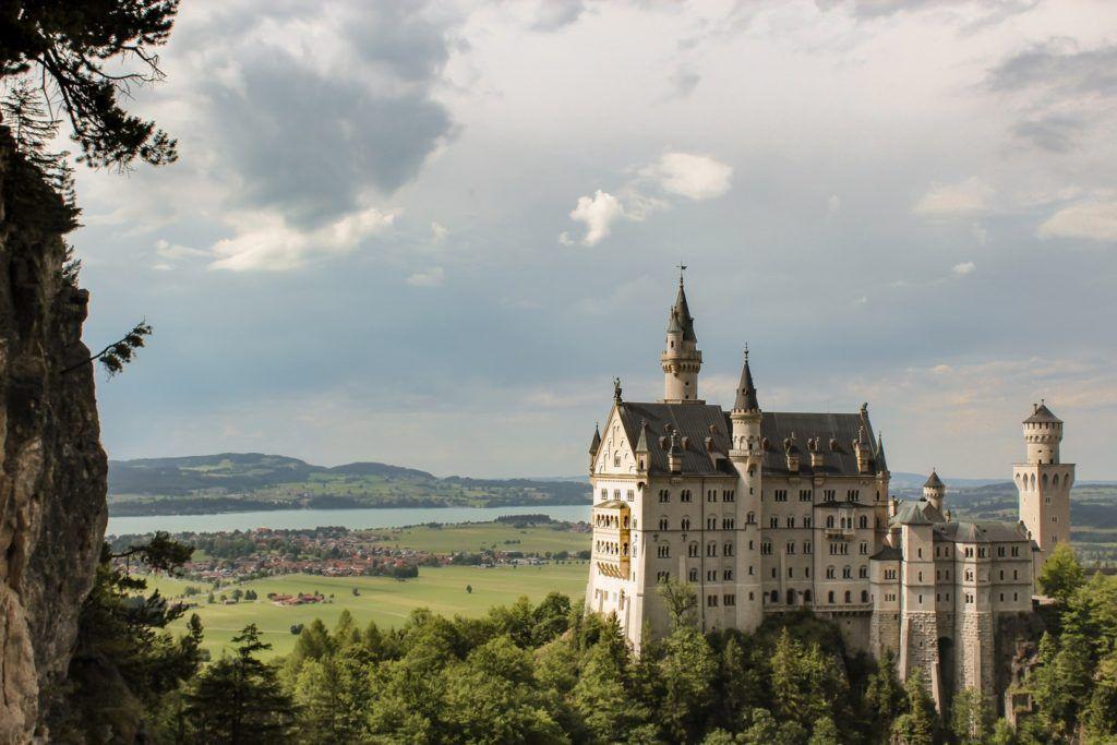 Foto de cerca al neuschwanstein castle