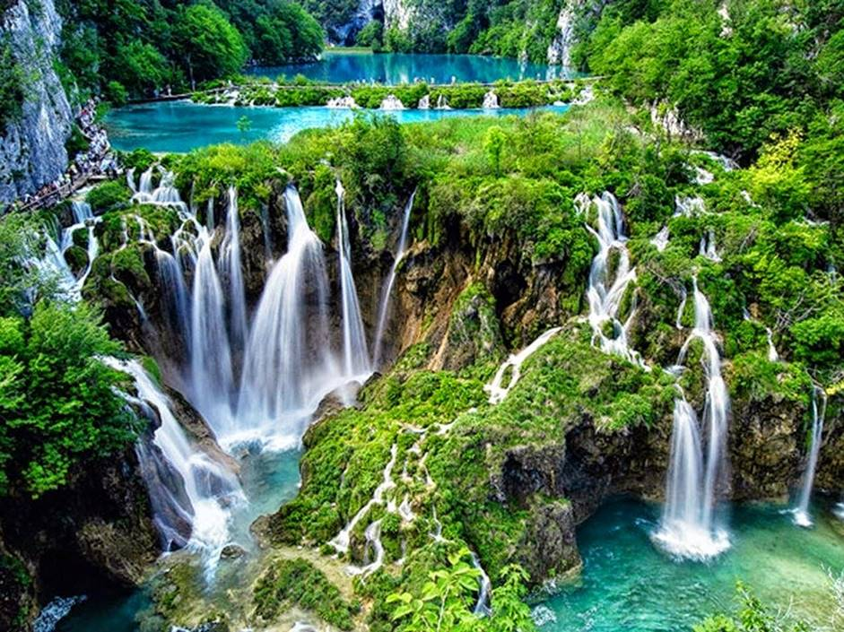 Plitviče Lakes National Park croatia