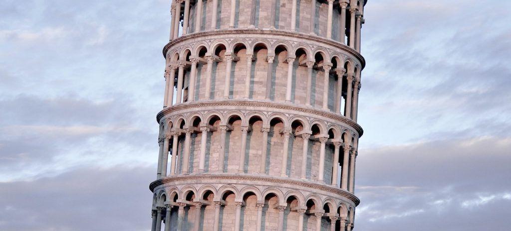 Torre de Pisa al atardecer