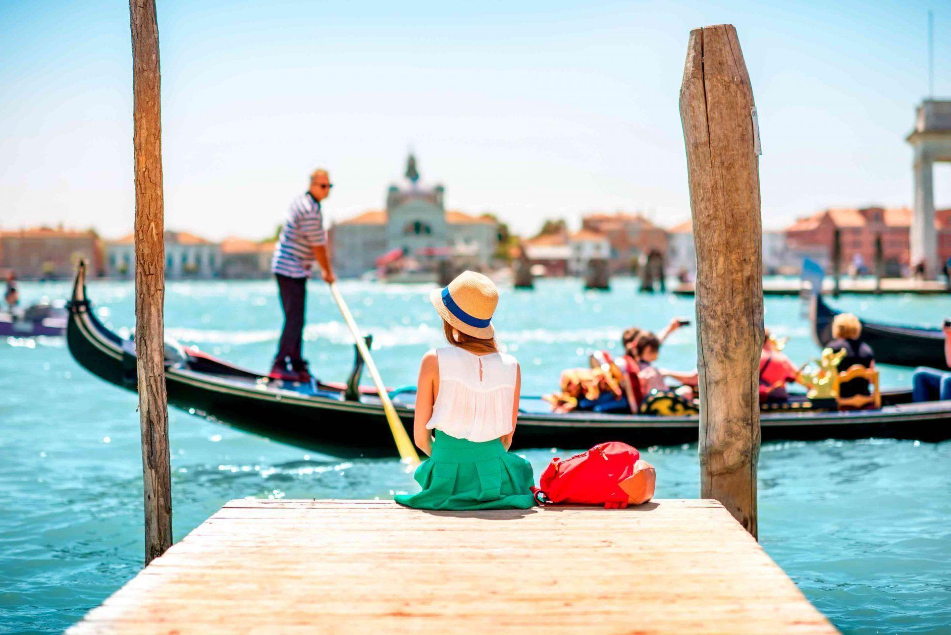 chica en venecia en verano