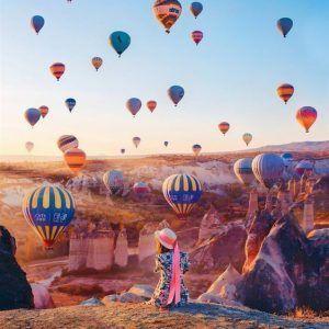 Foto globos en el aire