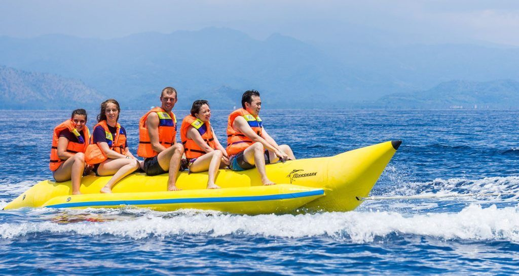 Foto grupo en banana boat