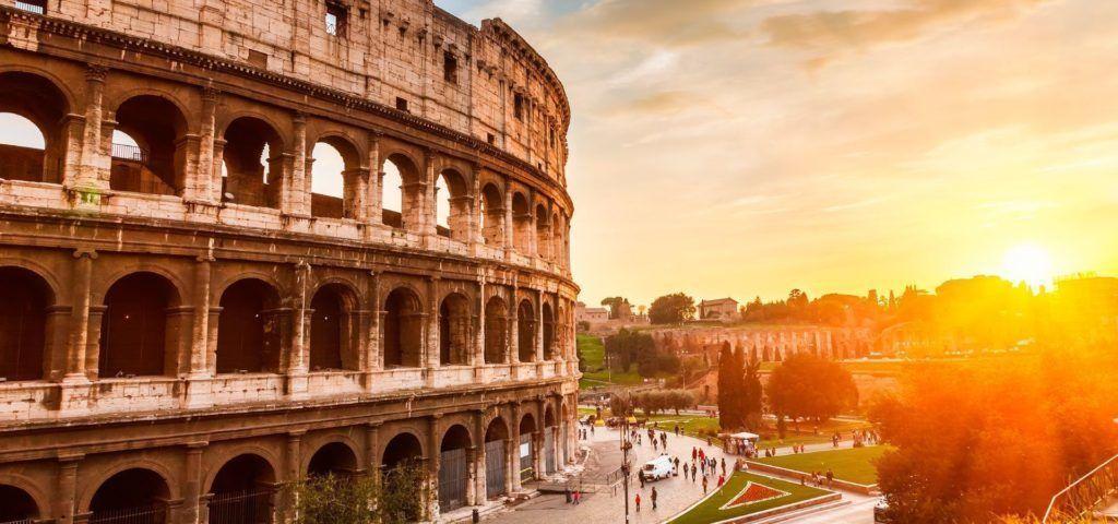 Foto lateral del coliseum rome