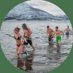 chicos bañándose |viajes por europa