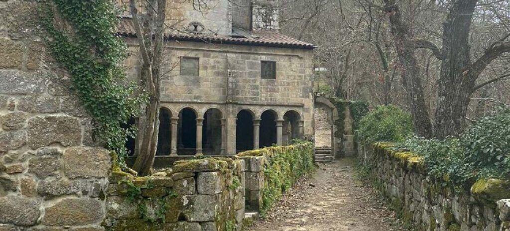 Camino de Santiago Monasterio de santa cristina