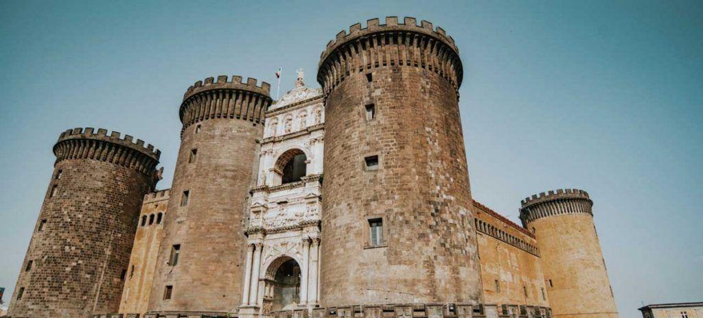 Italia Nápoles Castillo Nuevo
