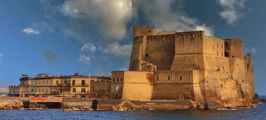 Italia Nápoles Castillo del Huevo