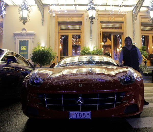 Ferrari en Casino de Montecarlo, Monaco